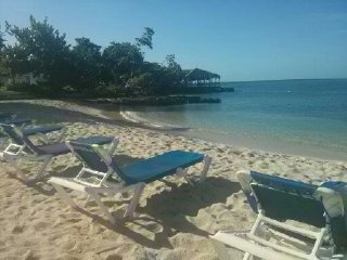 Ocean Blue, Sea view, Wifi, on the beach, Negril