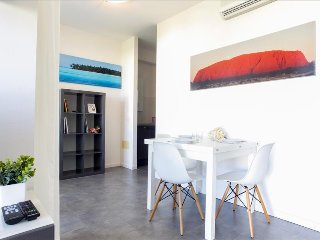 Lovely poolfront apartment with terrace, Marina di Ravenna