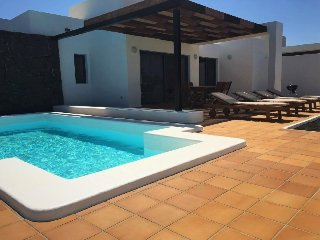 Villa Bellavista C8 with private heated pool, wifi, air conditioner, etc ..., Playa Blanca