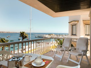 Romantic apartment with sea view over Cascais Bay