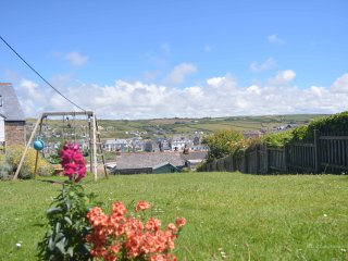 Coastguard Cottage - 3 mins walk to the beach!, Perranporth
