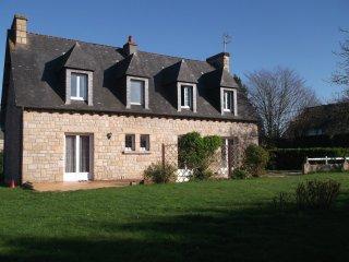 maison bretonne entre mer et campagne