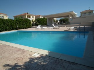 Near the beach villa at Faros beach, communal pool, Pervolia