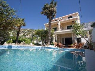 Villa Vojnovic mit Pool 20m  vom Meer Dalmatien