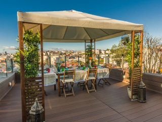 Lisbon4Real: Deluxe 3BR Apartment in Principe Real, Lisboa