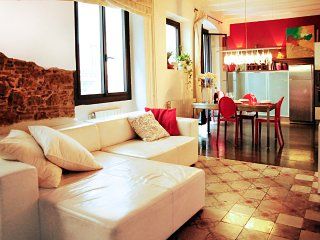 Casa Roja charming apartment in barrio Gotico, Barcelone