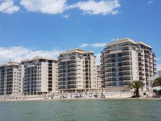 Apartamento en La Manga Beach Club, La Manga del Mar Menor