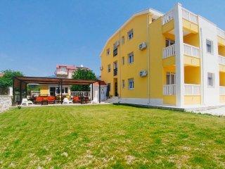 Villa Iva-Dom, A13, Kastel Novi