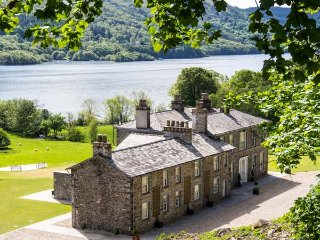 SILVERHOLME, luxury, en-suites, woodburner, pets welcome, next to Lake Windermere, on Graythwaite Estate, Ref 927208