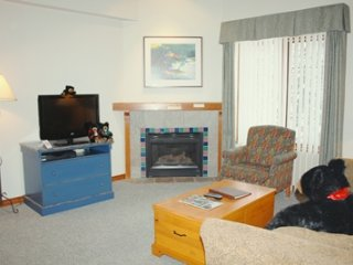 Hearthstone Lodge Village Ctr - HS407, Sun Peaks