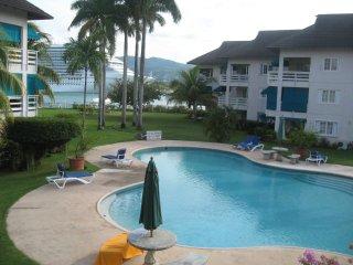 Bay Pointe Villa