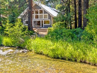 The River House on the Yakima River!  Walk to Golf! 2BR+Loft | Hot Tub!, Cle Elum