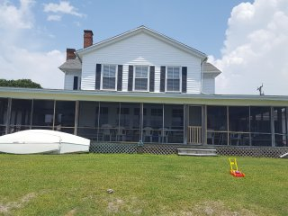 Charming Sound Front Beach Cottage!!, Morehead City