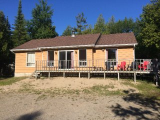 3 bedroom 1 bath 3 blocks from the beach!, Sauble Beach
