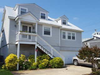 Sound Front Beach House with Breathtaking View!!, Morehead City