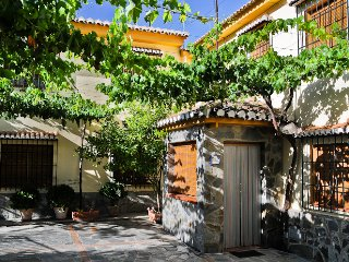 Las Huertas de Roque. -Casa Roque-, Monachil