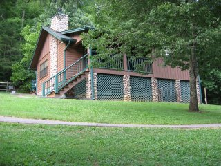 Fall is near, book before the vacancies disappear!, Sevierville