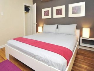 NYC Midtown Vacation Rental, 2 bedroom (6Sleeps)