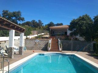 Gran casa de campo o chalet con piscina, relax,., Sevilla