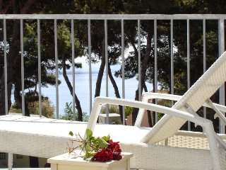 Sea view penthouse by the beach,private parking, excellent location, Vodice