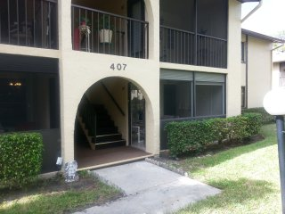 CONDO WEST PALM AREA 2BR 2BATH, West Palm Beach