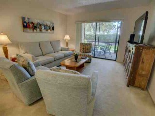 Proximity to downtown Sarasota, golfing, shops and beaches in a comfortable condo w/ community pool