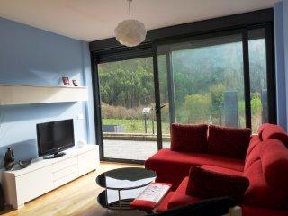Apartamento de tres habitaciones en Caravia Alta