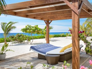 Le Soleil d'Or Luxury Beach House (Sleeps 6-8), Cayman Brac
