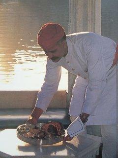 Restaurante Saboreando Comida India.  Open Thursday, Friday and Saturday at 5:30pm