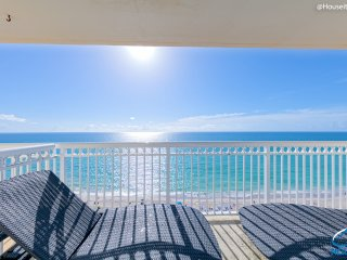 Oceanfront Condo In Miami Beach With Direct Views!, Sunny Isles Beach