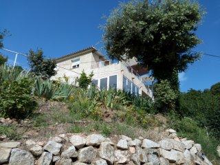 Villa vue panoramique sur vieux village corse