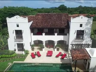 Luxurious mansion just steps away from the beach!, Tamarindo