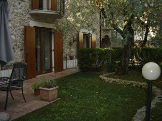 Casa corte felice, San Felice del Benaco