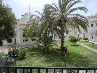 Bonito bungalow con piscina