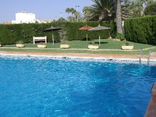 Apartamento con balcón y piscina, Torrevieja