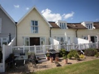 Isis Lakes Lodge, South Cerney