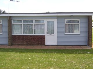Hemsby 2 bed chalet sleeps 4 - No  Pets