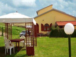 OFFERTA SPECIALE! Casa Adriano, ambiente familiare, Montecatini Val di Cecina