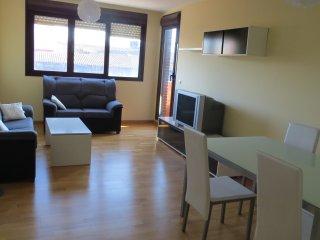 Amplio apartamento de 3 habitaciones con piscina