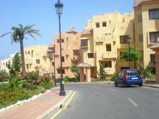 Duquesa Village Apartment