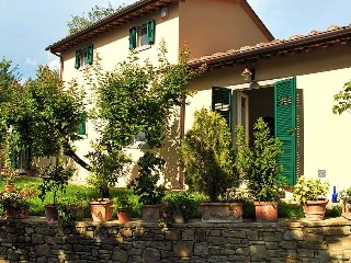 La Fantastica, Cottage - Tuscan Retreat in Cortona, Elegant Country Cottage, Sle