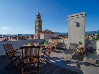 Diocletian Tower apartments-Terazza Grande, Split
