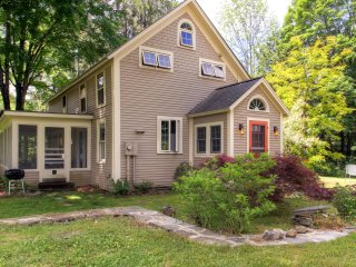New Listing! Charming 3BR Cornish House w/Wifi, Stone Fireplace, Screened Porch & Covered Bridge - Close Proximity to Hiking, Skiing, Dartmouth, Shopping, Dining & More!