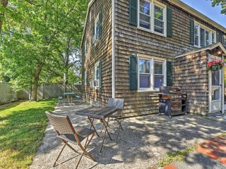 Charming 3BR South Yarmouth Townhome w/Wifi, Outdoor Dining Area & Grill - Just