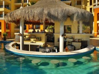 Stay at the BEST resort in Cabo