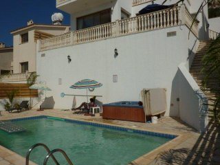 Athena 3 bed own Pool and Jacuzzi Panoramic views, Peyia