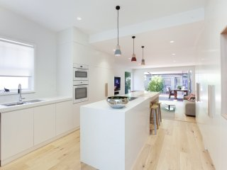 Stylish family home5-10min walk to Fairlight beach