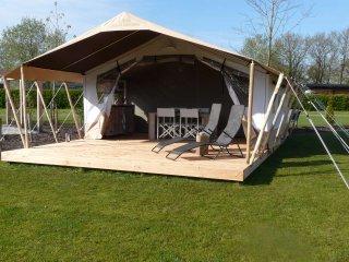 Camping De Wedze, tevens luxe Safaritent  te huur, Twijzel