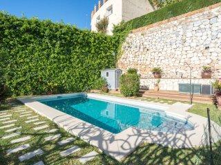 Increible casa con jardin y piscina privado