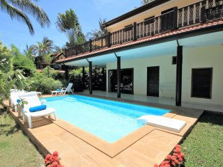 Villa Fleur and its private pool alongside the terrace.